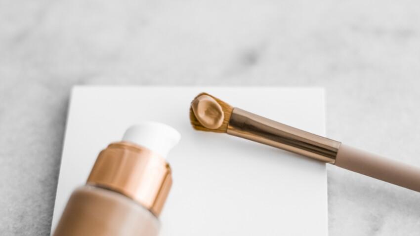Fond de teint : pinceau, éponge, au doigt... Voici comme l'appliquer en fonction de la couvrance souhaitée