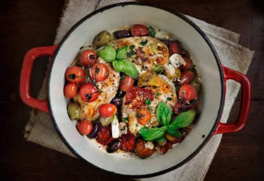 Filets de dinde aux olives vertes et à la sauce tomate