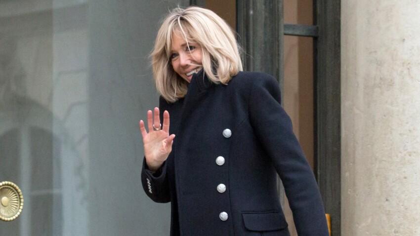 Photos – Brigitte Macron, sa passion pour les manteaux. Retour sur ses plus beaux looks !