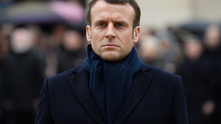 """Emmanuel Macron : interpellée à l'entrée de l'Elysée, une femme """"armée d'un couteau"""" menace une policière"""