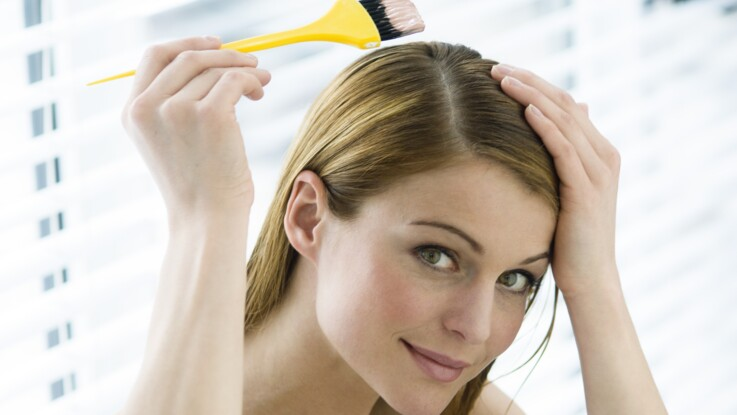 Coloration cheveux à faire à la maison : découvrez quelle couleur est la plus commandée (vous allez être étonnée !)