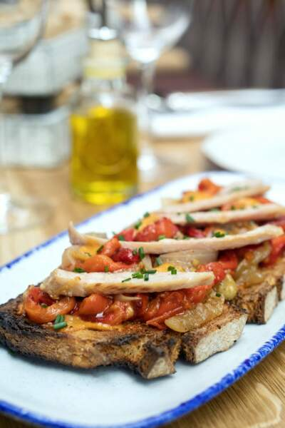 Tostada escalibada : les tartines poivrons rouges et aubergines