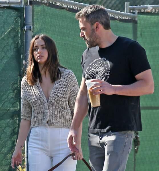 Les deux amoureux aperçus dans les rues de Los Angeles, en plein confinement, le 21 mars 2020.