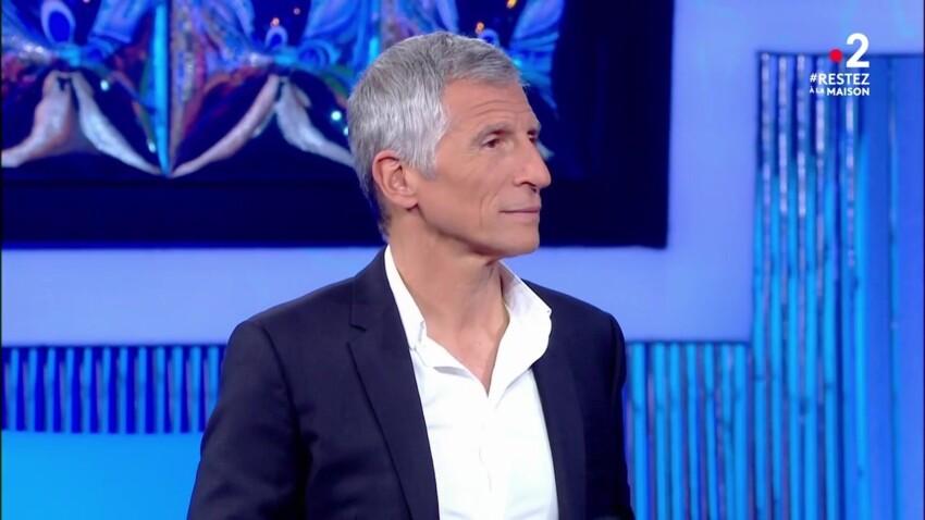 """Nagui balance sur Michel Sardou dans """"N'oubliez pas les paroles"""""""