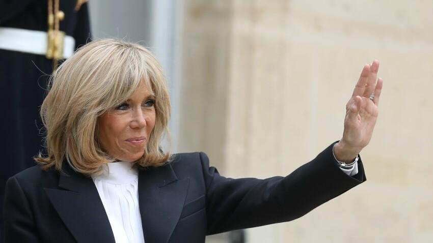 Brigitte Macron : ce qu'elle fait pour rester en contact avec ses enfants et ses petits enfants