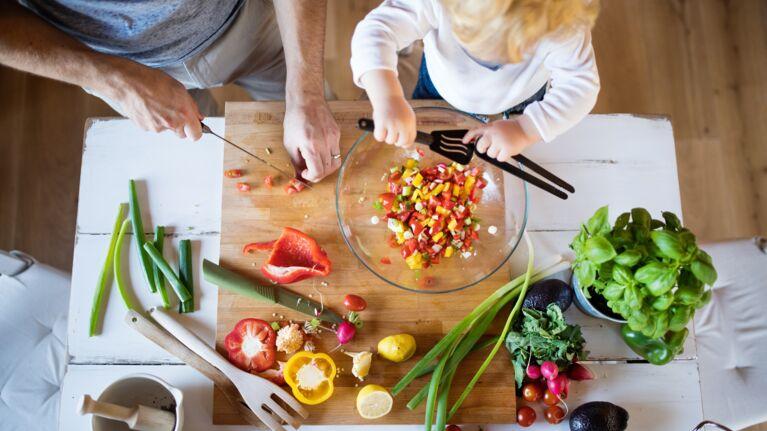 Toutes nos idées recettes pour cuisiner avec les enfants durant le confinement