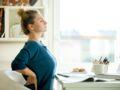 Télétravail : 5 étirements à faire à la maison pour éviter le mal de dos