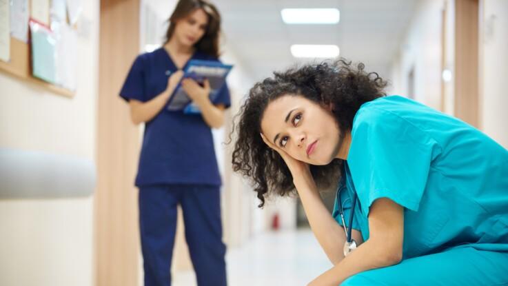 Choquée, une infirmière révèle l'affreuse demande de ses voisins