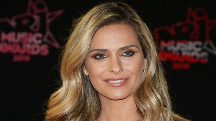 Clara Morgane : chevelure longue et regard charbonneux, elle ressort un cliché ultra-glamour