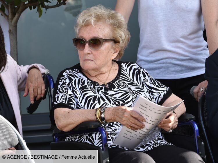 """Bernadette Chirac : à 86 ans, elle passe son confinement """"au chaud"""""""