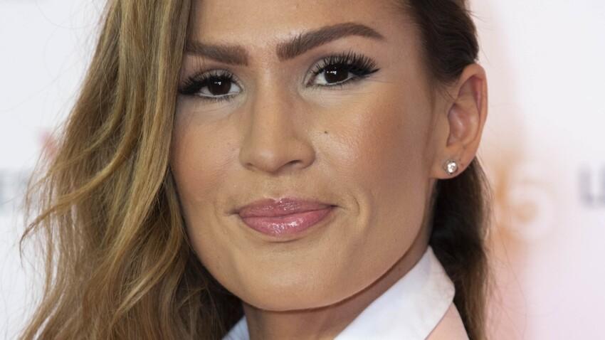 Vitaa au top du glamour : encore une nouvelle façon de coiffer son carré long (On adore !)