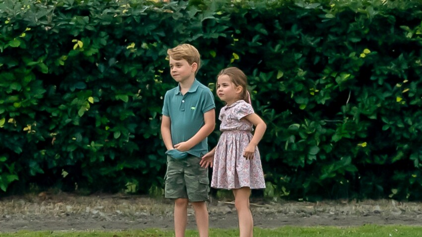Le Prince Louis, 2 ans, applaudit les soignants au côté de George et Charlotte
