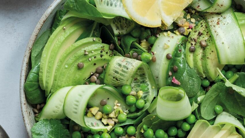 Salade verte aux lentilles du Puy, petits pois, concombre, avocat et épinards