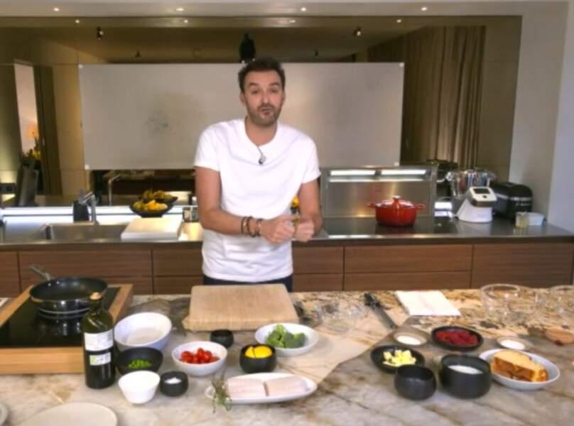 """""""Tous en cuisine"""" : la recette du moelleux au chocolat (préparé au mixer) et glace vanille de Cyril Lignac"""