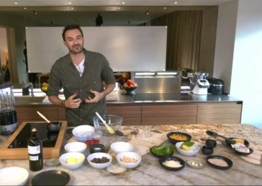 """""""Tous en cuisine"""" : la recette de la salade de boeuf mariné de Cyril Lignac"""
