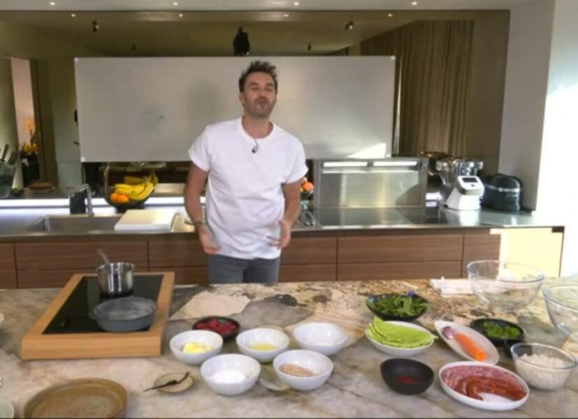 """""""Tous en cuisine"""" : la recette du financier aux framboises de Cyril Lignac"""