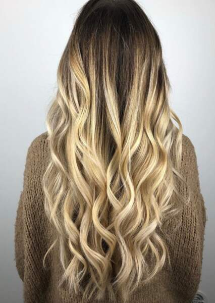 Ombré hair blond beige