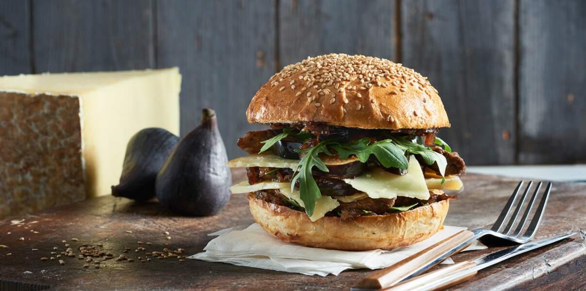 Burger au cantal, aiguillettes de canard au balsamique et figues rôties