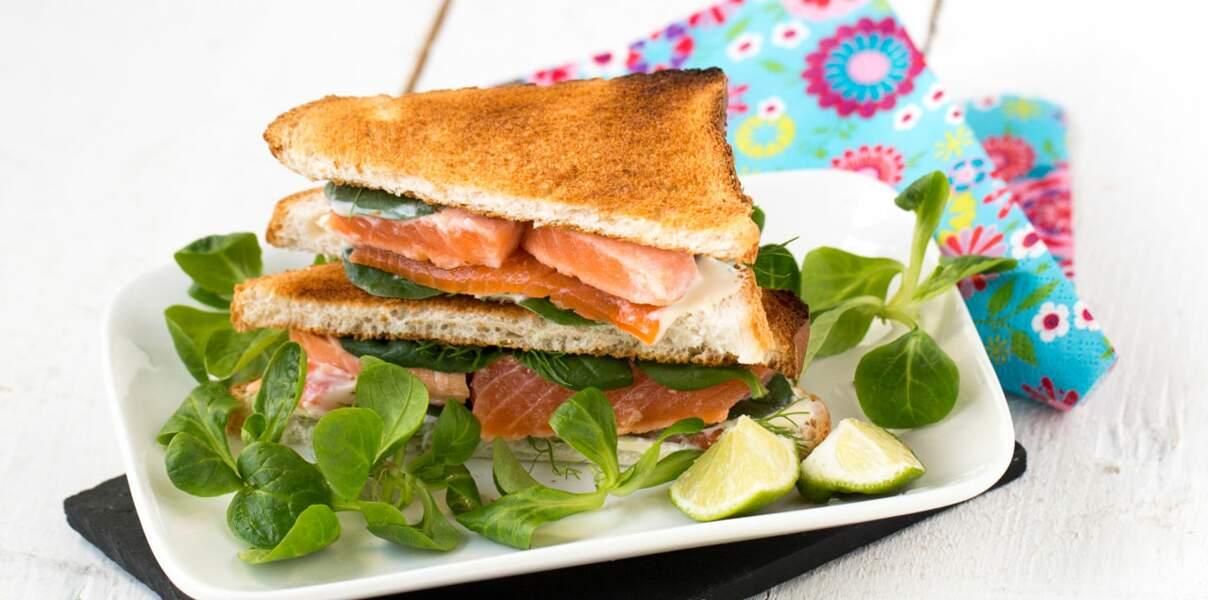 Club sandwich printanier au fromage et à la truite