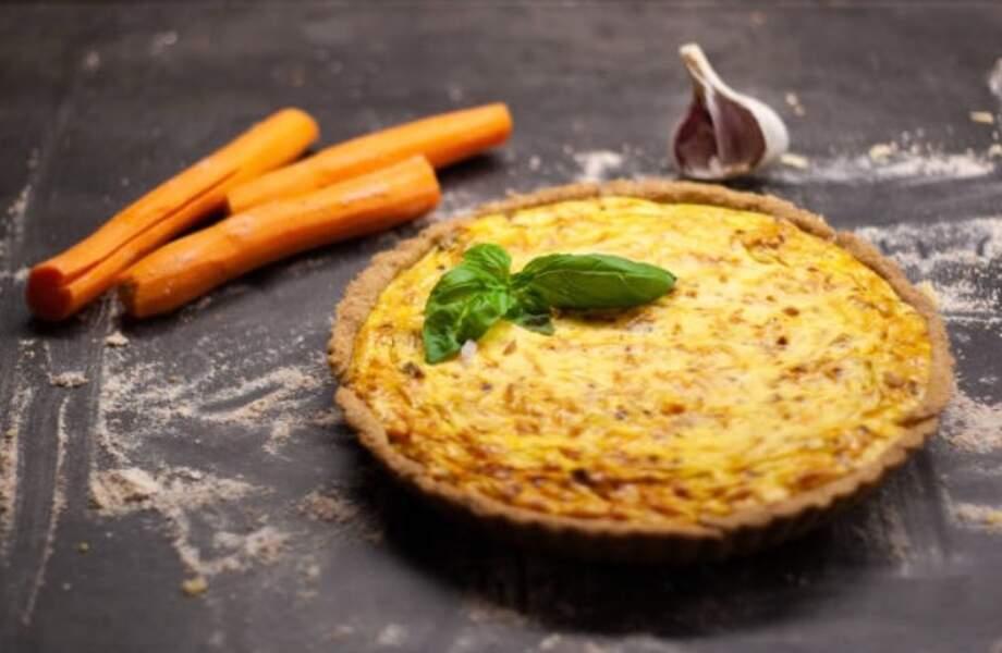 Quiche à la carotte, au fromage frais et aux lardons
