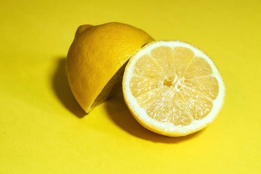"""La solution """"citron express"""" pour les mains"""
