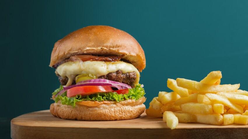 Au boeuf, au poulet ou à la dinde : comment réussir un hamburger à l'américaine maison ?