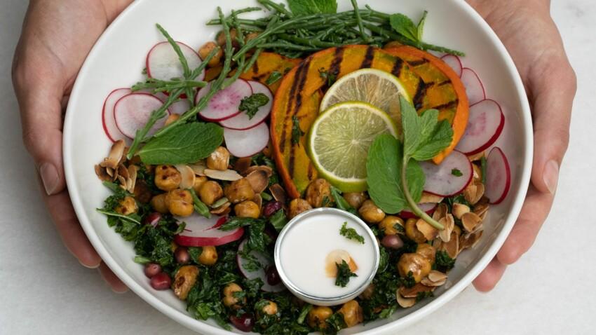 Salade de pois chiches au chou kale et aux amandes