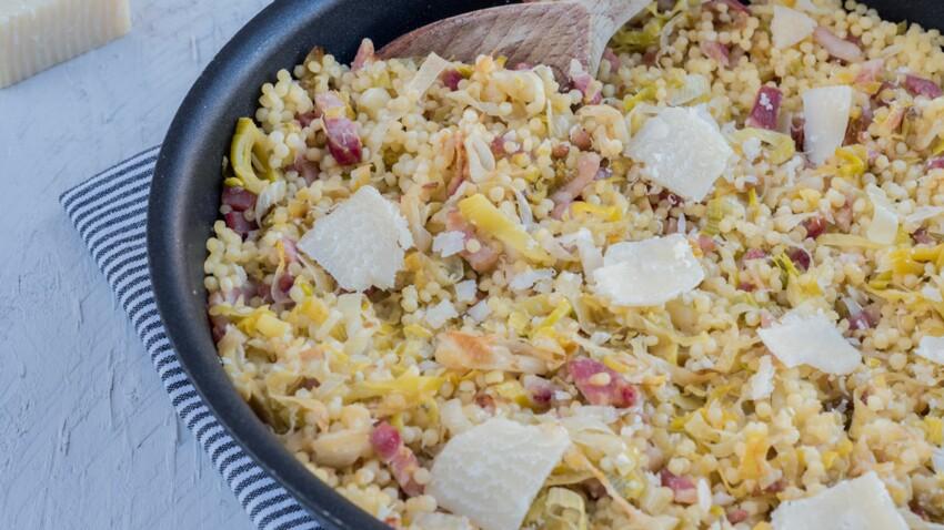 Poêlée de perles, poireaux, lard et parmesan