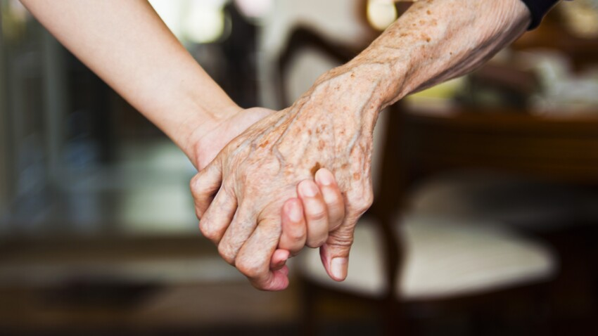 Fin de vie : comment accompagner ses proches à distance