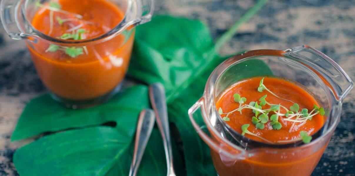 Gaspacho avec la soupe de tomate de Marmande