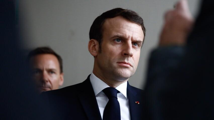 Emmanuel Macron photographié avec une caissière de Super U : le détail qui ne passe pas