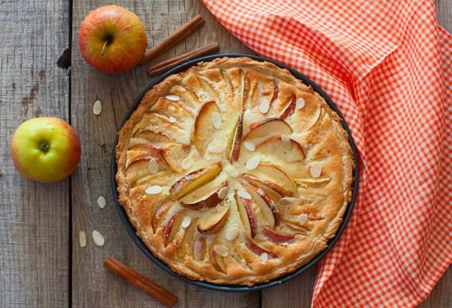 Cyril Lignac : sa recette facile de tarte aux pommes amandine