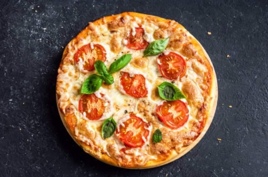 Cyril Lignac : sa recette de pizza simple et délicieuse