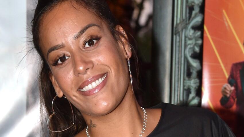 Amel Bent sexy et amincie : elle sort les collants léopard pour un look détonnant (vous aimez ?)