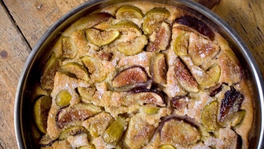 Cyril Lignac : sa recette facile et gourmande de clafoutis aux figues