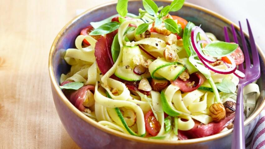 10 recettes faciles et pas si classiques de salades d'été