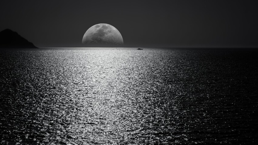 Pleine Lune : comment faire et utiliser de l'eau lunaire ?