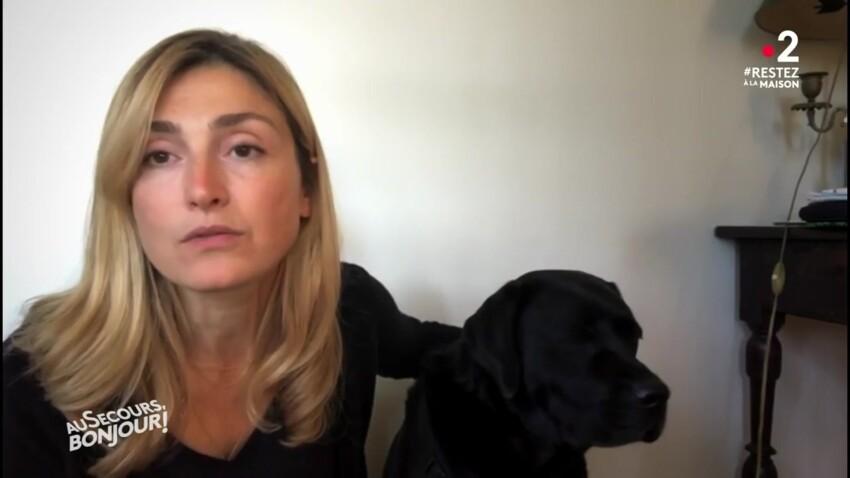 Julie Gayet : son sketch surprenant avec Philae, le chien de François Hollande