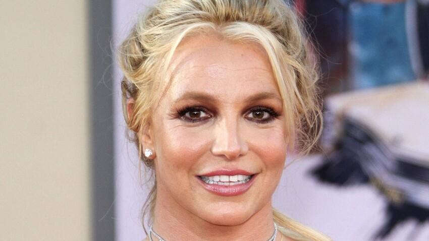 Britney Spears plus hot que jamais en trikini échancré : sa nouvelle couverture d'album surprend ses fans