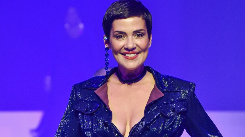 Cristina Cordula canon : maquillage festif et chemise flashy, elle rayonne et donne rendez-vous à ses fans
