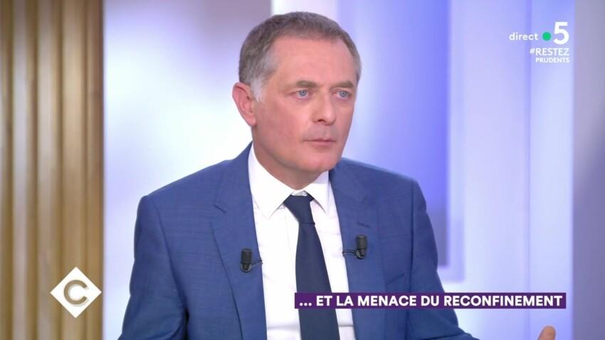 """""""C à vous"""" : l'épidémie est-elle vraiment """"en train de se terminer"""" ? Le docteur Philippe Juvin répond à Didier Raoult"""