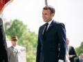 """""""Ni masque, ni distanciation"""" : Emmanuel Macron choque une nouvelle fois les internautes"""