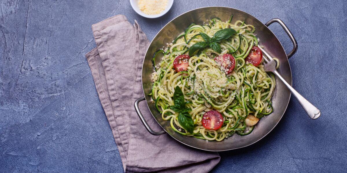 Comment Faire Des Spaghettis De Courgette Nos Conseils Et Recettes Femme Actuelle Le Mag