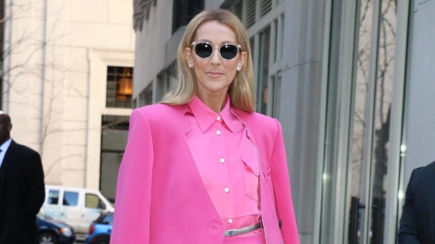 Céline Dion, encore un look déjanté en top transparent, pantalon métallisé et chapeau improbable (Oups !)