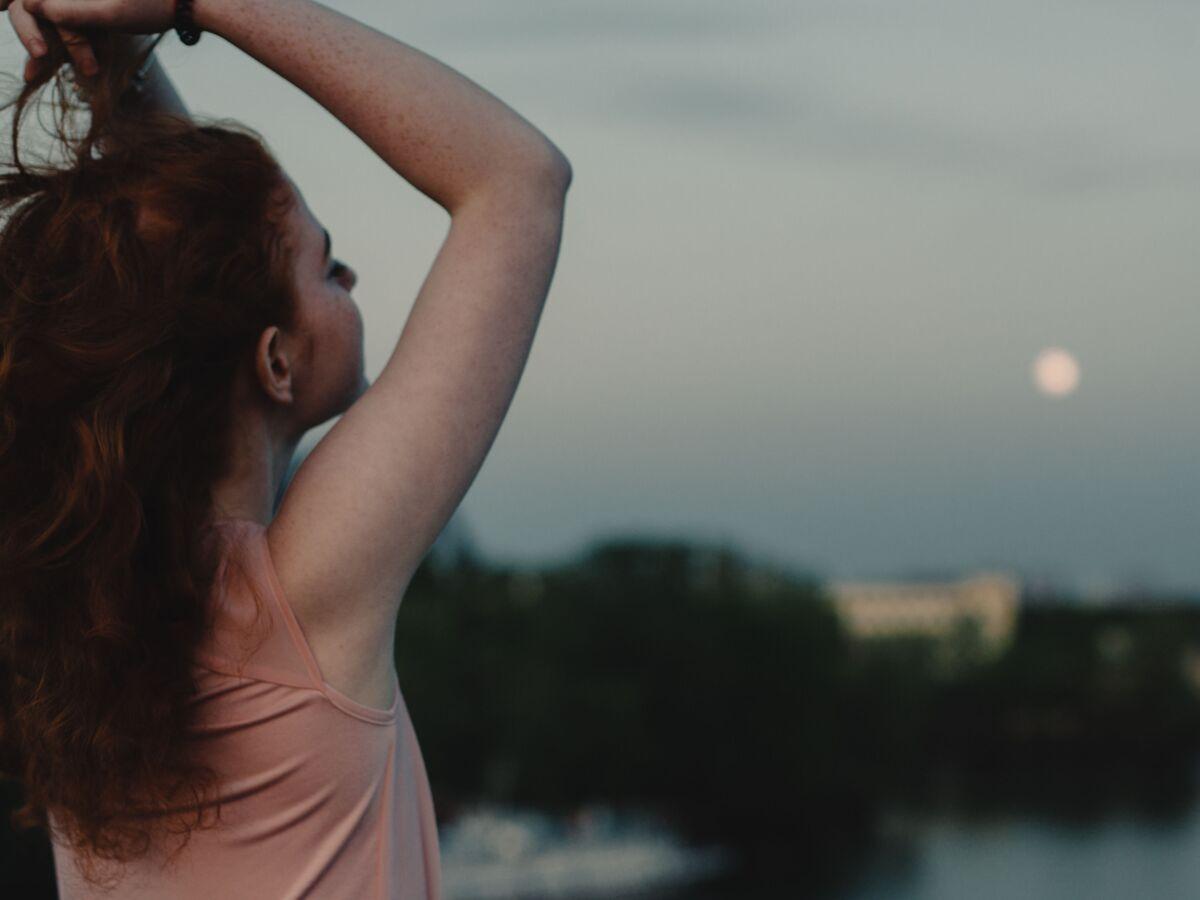 Calendrier Lunaire Cheveux 2022 Calendrier lunaire cheveux : le meilleur moment pour se couper et
