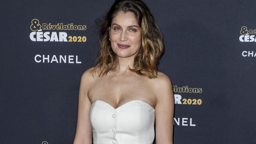 Laetitia Casta plus sexy que jamais : elle dévoile sa poitrine dans une robe en résille transparente (on voit tout)
