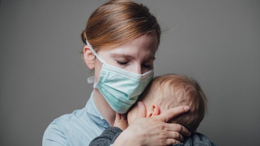 Port du masque : comment rassurer les bébés quand la moitié de notre visage est cachée ?