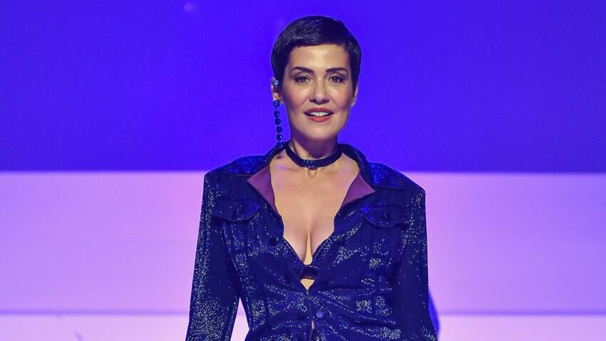 Cristina Cordula sexy en maillot asymétrique et paréo ultra-fendu (Oups, canon !)