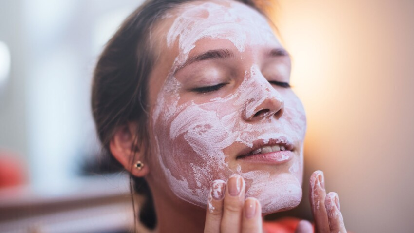 Soins maison : voici les ingrédients du quotidien à ne surtout pas mettre sur son visage