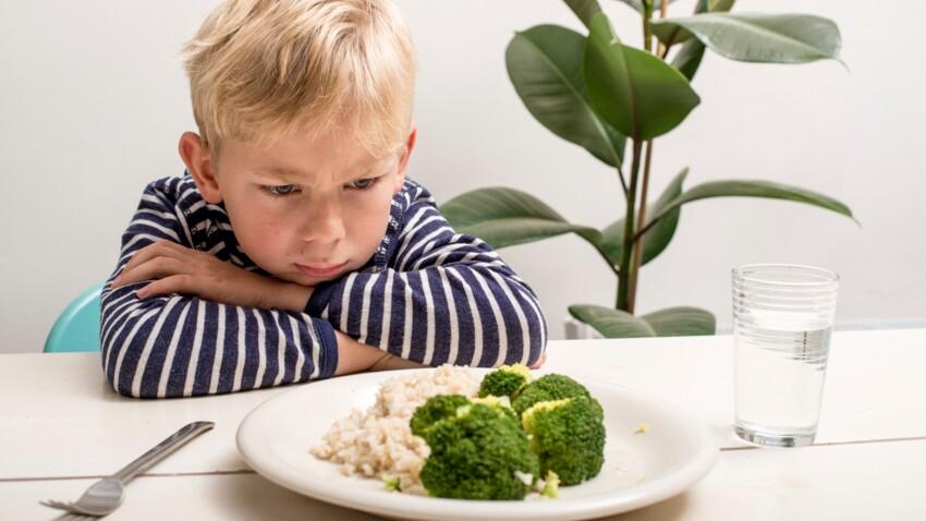 Pourquoi il ne faut pas forcer un enfant qui refuse de manger